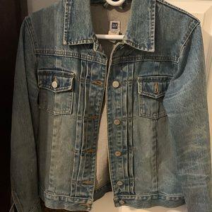 Perfect Jean Jacket 🧥
